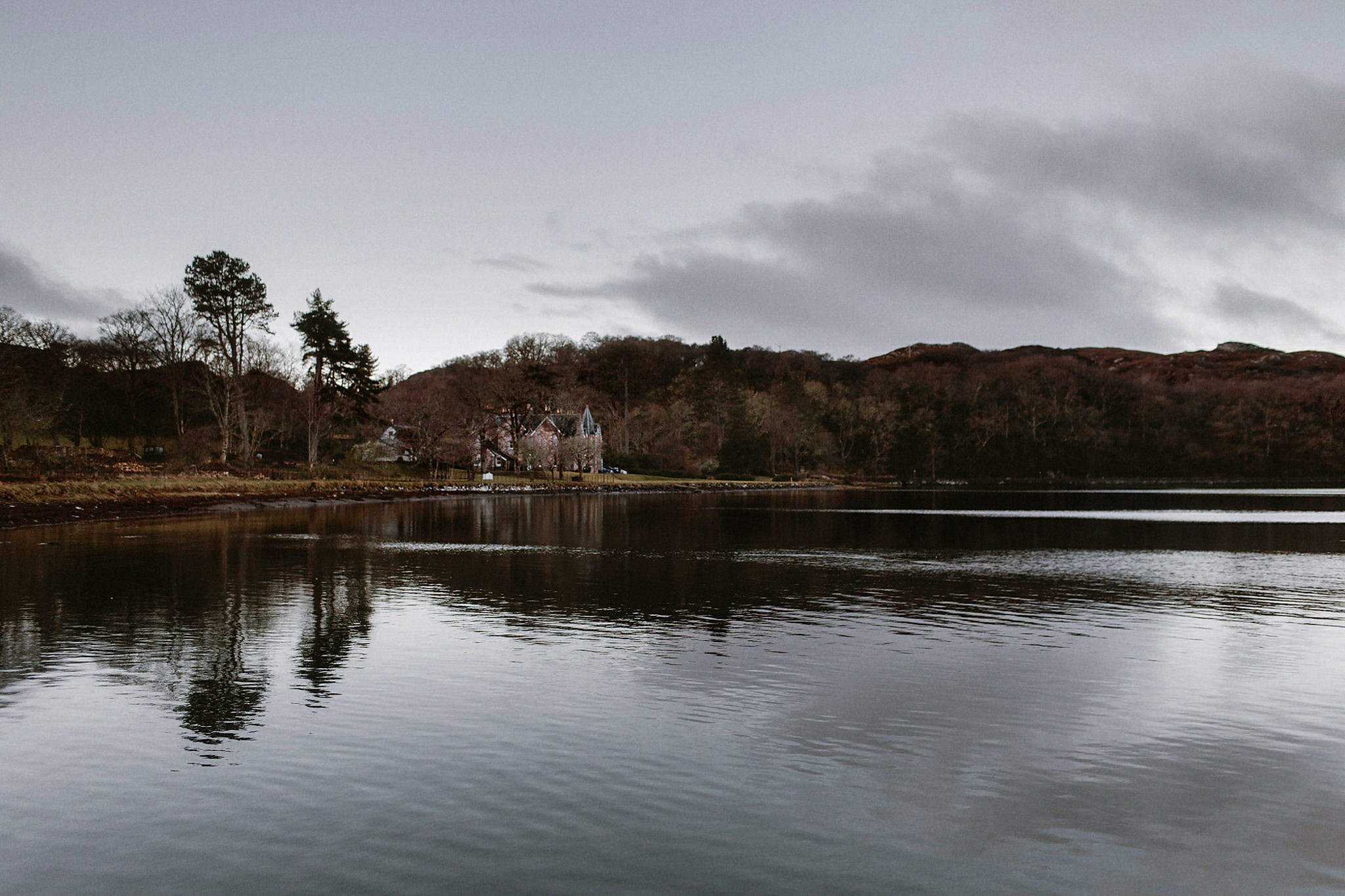 Scottish elopement inspiration Wester-Ross Shieldaig Lodge