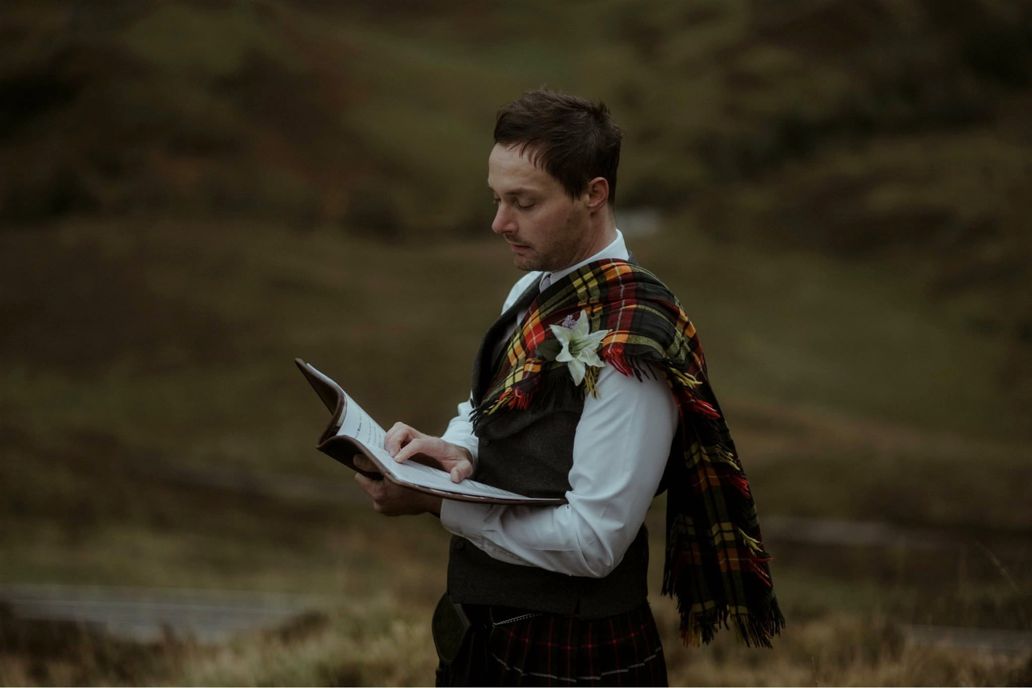 Humanist celebrant Ashton Easter conducts and elopement wedding in Glencoe